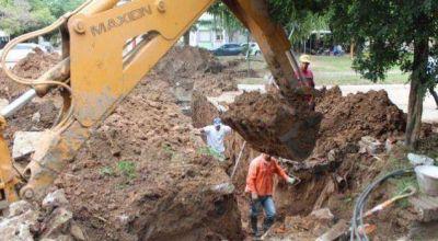 Avanzan obras de desagües en la calle Gerardo Varela