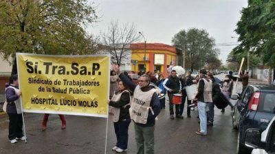 Movilización del SITRASAP contra las privatizaciones en el área de Salud Pública