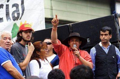 Otra marcha multitudinaria sin respuestas del Gobierno; la UPCP extiende el paro