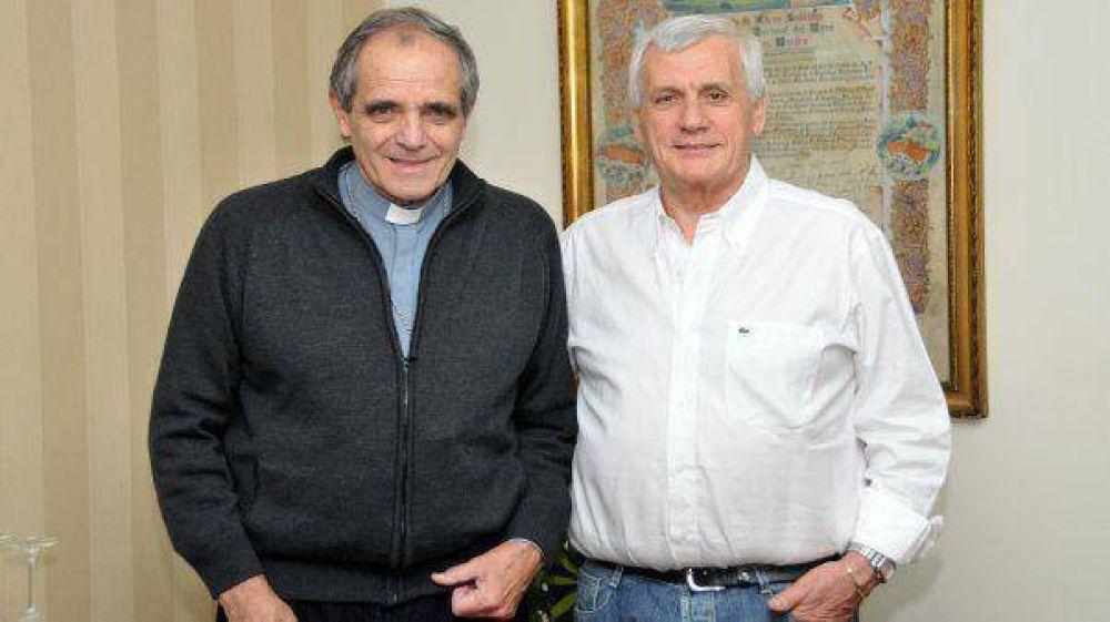Caló se reunió con la Iglesia Católica, que busca la unión de las CGT