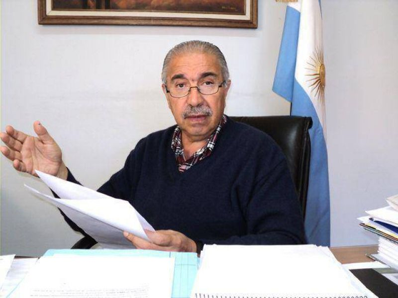 Caballieri anunció $550 más para los Municipales