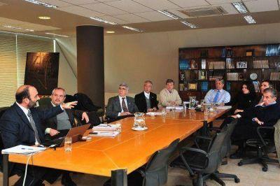 Presentan al gobernador los avances en la formulación del Plan Maestro de Minería 2014-2020