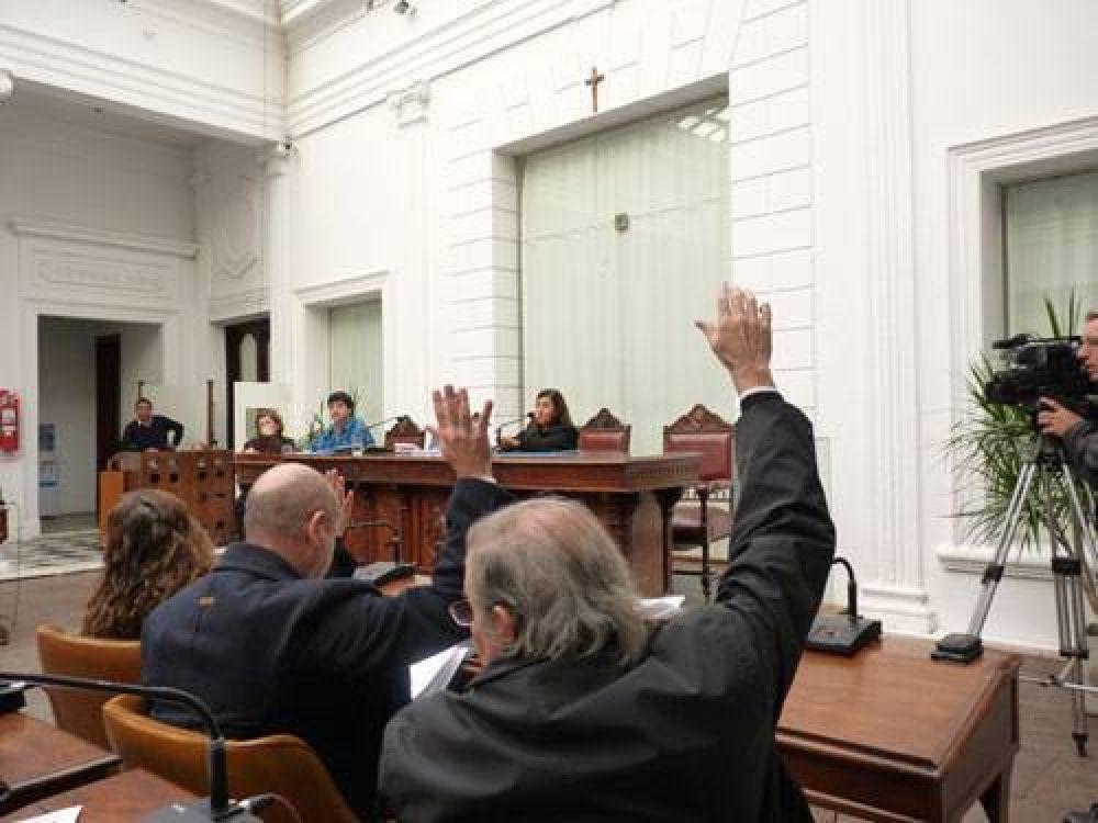 No hubo debate y la oposición rechazó la Rendición de Cuentas: el justicialista Onchalo fue el único que argumentó su voto