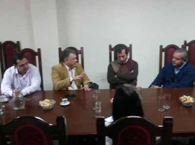 Mastrandrea se reunió con intendentes del Área Metropolitana.