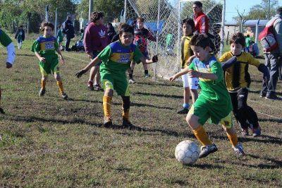 """500 chicos le dieron vida al Torneo """"Integración Marchiquitense"""""""