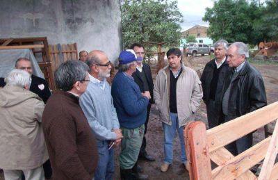 La FEF testigo activo del apoyo que el Estado brinda a comerciantes afectados por el tornado en Güemes