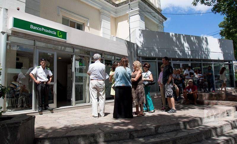 Bancarios anunciaron paro de 24 horas para el jueves