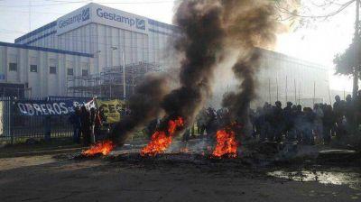 Crisis automotriz: tensión en Escobar por la toma de una fábrica de autopartes
