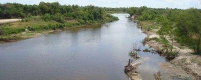 El río retrocede y reduce el número de los evacuados