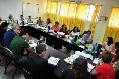 El gobierno adelantó al mes de agosto la última cuota y UTELPa firmó el acuerdo salarial