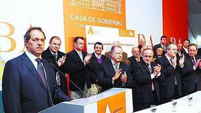 Scioli convocó al encuentro de gremios y empresas