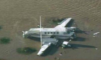 Tragedia en el Río de la Plata: Rescataron los cuerpos atrapados en el avión