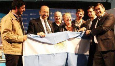 Paredi y Bossio rubricaron convenio de adquisición de lotes para familias PRO.CRE.AR.