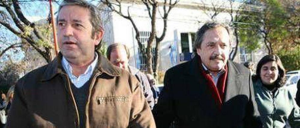 En Mendoza, Ricardo Alfonsín tuvo su foto con Cobos