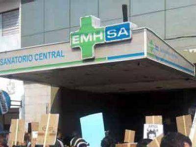 Médico del EMHSA atacó a la secretaria general de ATSA