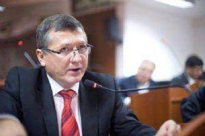 Dura crítica contra el jury que desplazó al juez Acuña