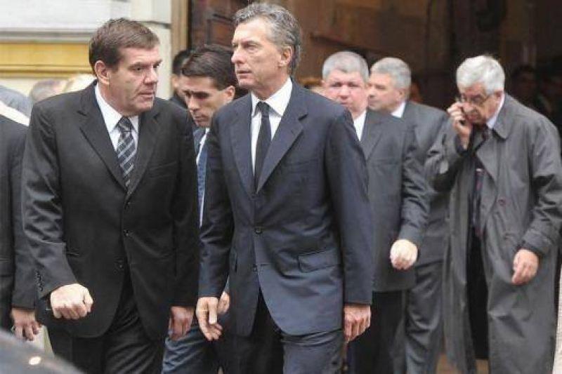 Denunciaron a un funcionario del ministro Montenegro por