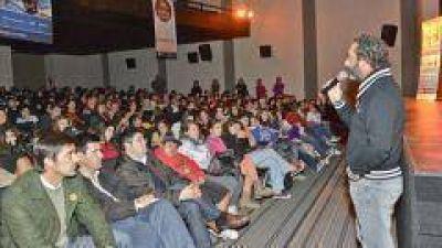 """El Ministerio de Desarrollo Social de la Nación lanzó el Programa para adolescentes """"Nuestro Lugar"""""""