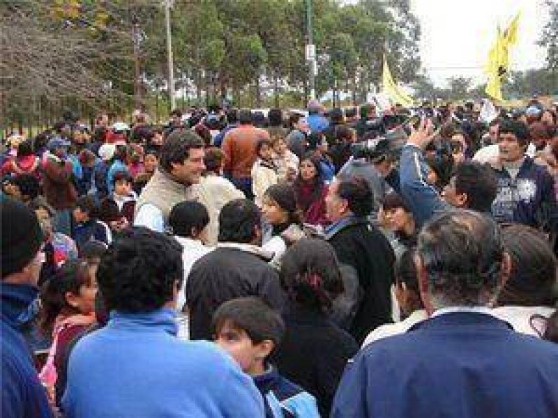 Una multitud de dirigentes y militantes acompañaron a Yarade en Guemes.