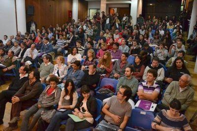 Locutores de toda la provincia se capacitaron y debatieron en Paraná