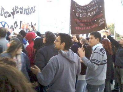 El concejal socialista Luis Luna acompañó a trabajadores de autopartista Gestamp