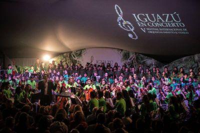 """Iguazú en Concierto: """"Somos el Mundo"""""""