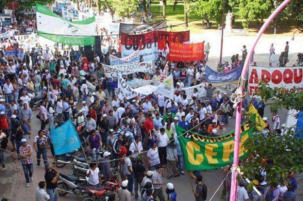 Siguen los paros de empleados públicos y docentes con marcha Multisectorial