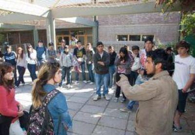 Alumnos atacaron con armas blancas en la escuela