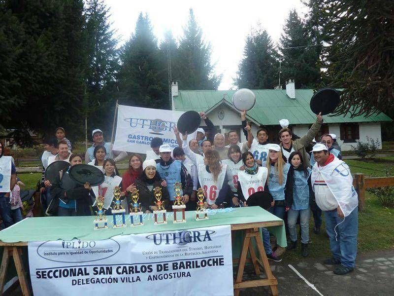 Con gran éxito se desarrolló una nueva Carrera de Mozos en Villa la Angostura