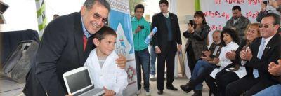 Beder Herrera inauguró Jardín de Infantes y obras en escuela de Carrizal