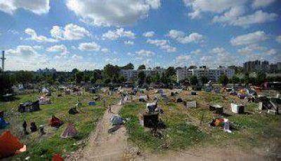 Lugano: el IVC censó a las 700 familias que realizan la toma