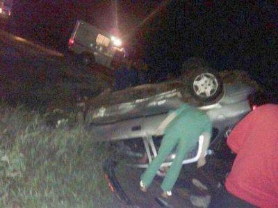 Empleado de la Dpec muri� al volcar su auto