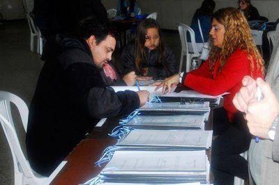 IPAV: adjudicatarios firmaron los contratos en Pico