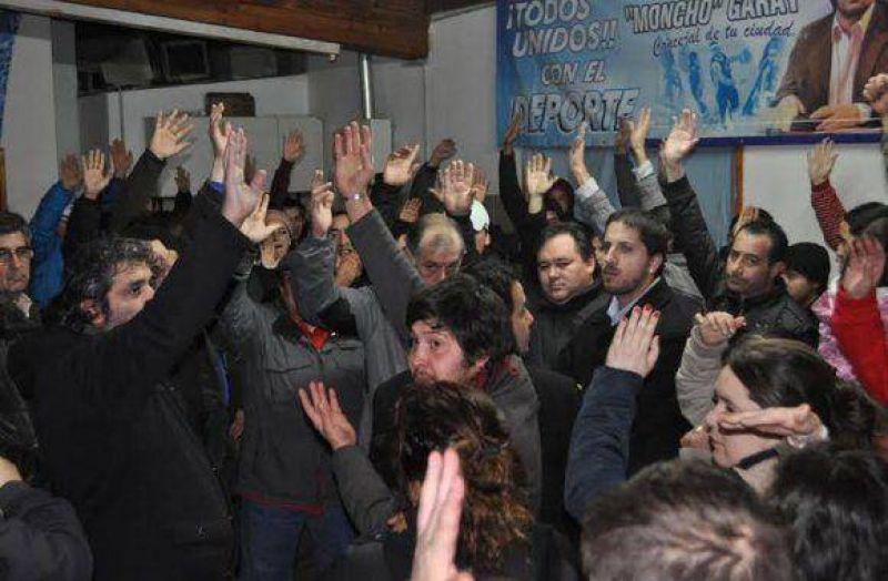 Trabajadores despedidos de las industrias fueguinas marcharan el jueves contra la UOM