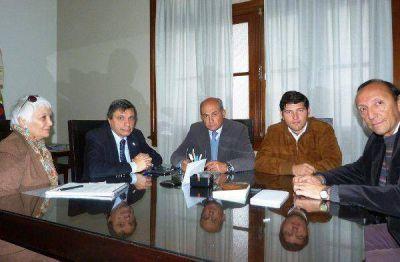 UNJu y Agua de los Andes analizan mejorar servicio de laboratorio