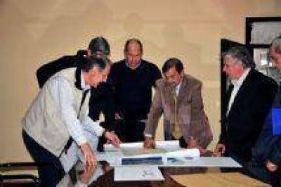 Miguel Isa participó en la presentación de obras que realizará Gimnasia y Tiro