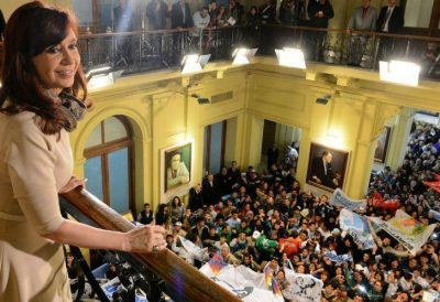 Cristina volvió a elogiar a Kicillof por el acuerdo con el Club de París