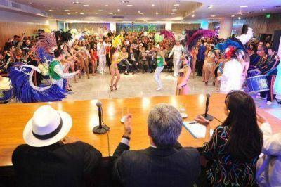 Poggi presentó la sexta edición del Carnaval de Río y lo comparó con la Vendimia de Mendoza