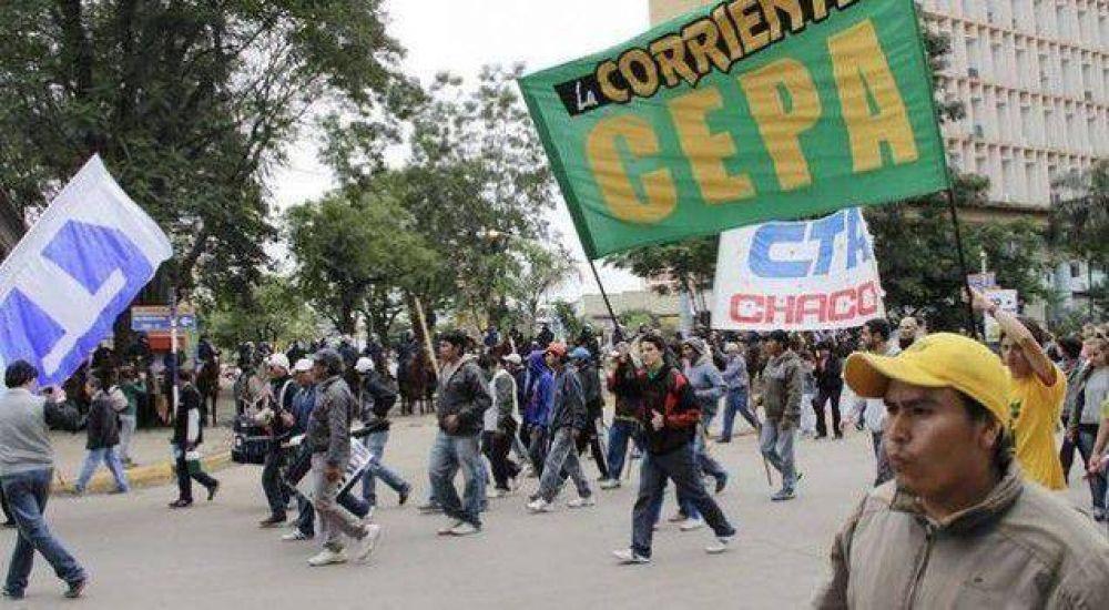 La Multisectorial marchó en repudio a la represión de ayer