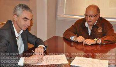 Convenio entre Municipio y Mutual Mercantil