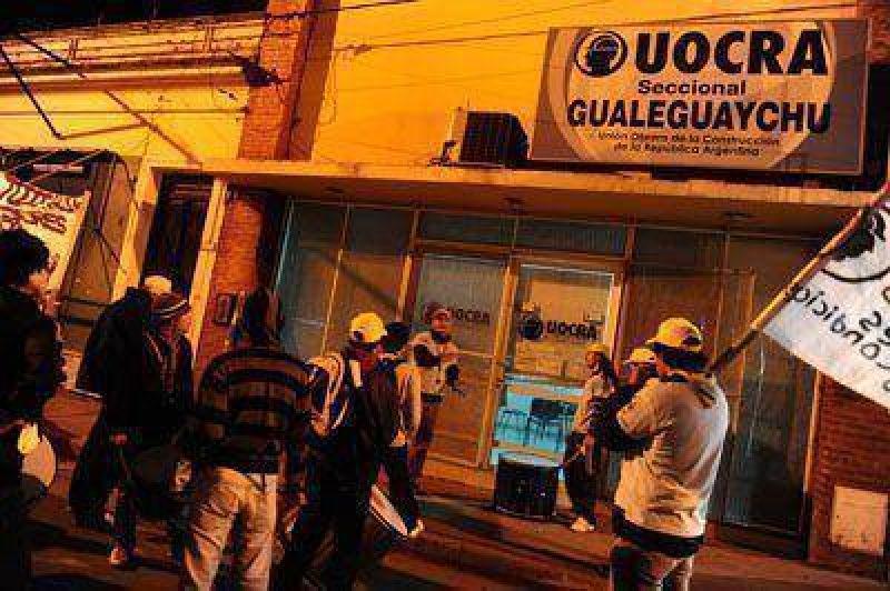 Afiliados a UOCRA marcharon por descontentos con la gestión local