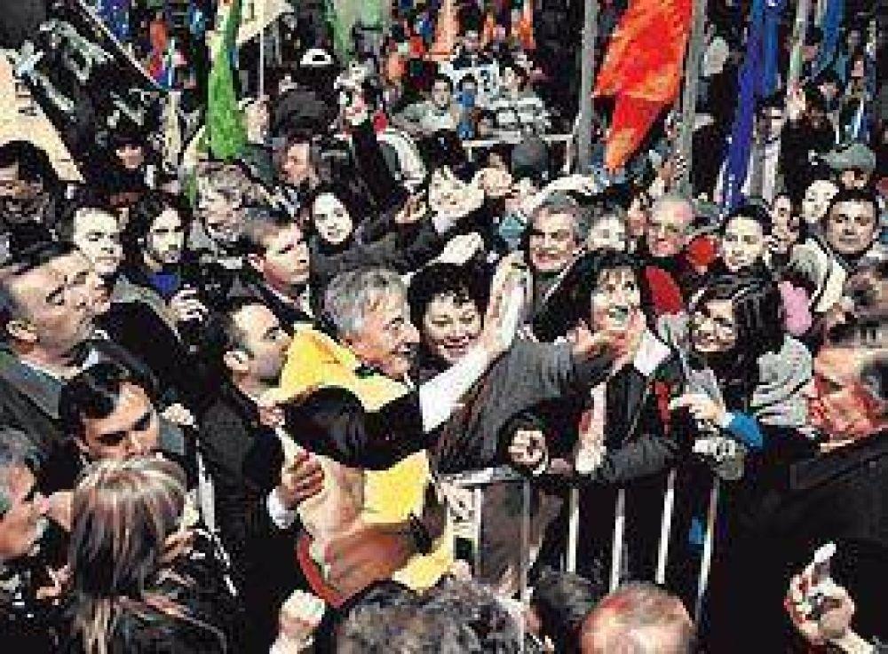 Kirchner y Scioli apuestan fuerte al segundo cordón bonaerense