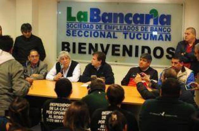 Moyano compromete su apoyo a La Bancaria