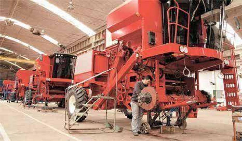 Hasta el Indec admite que la industria sigue en caída