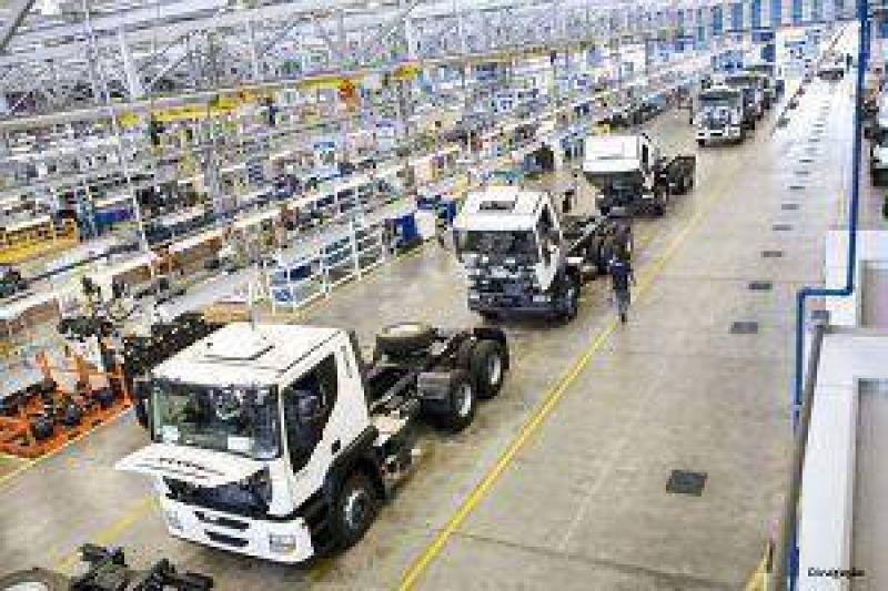 SMATA dice que se prolongan las suspensiones en la planta de Iveco