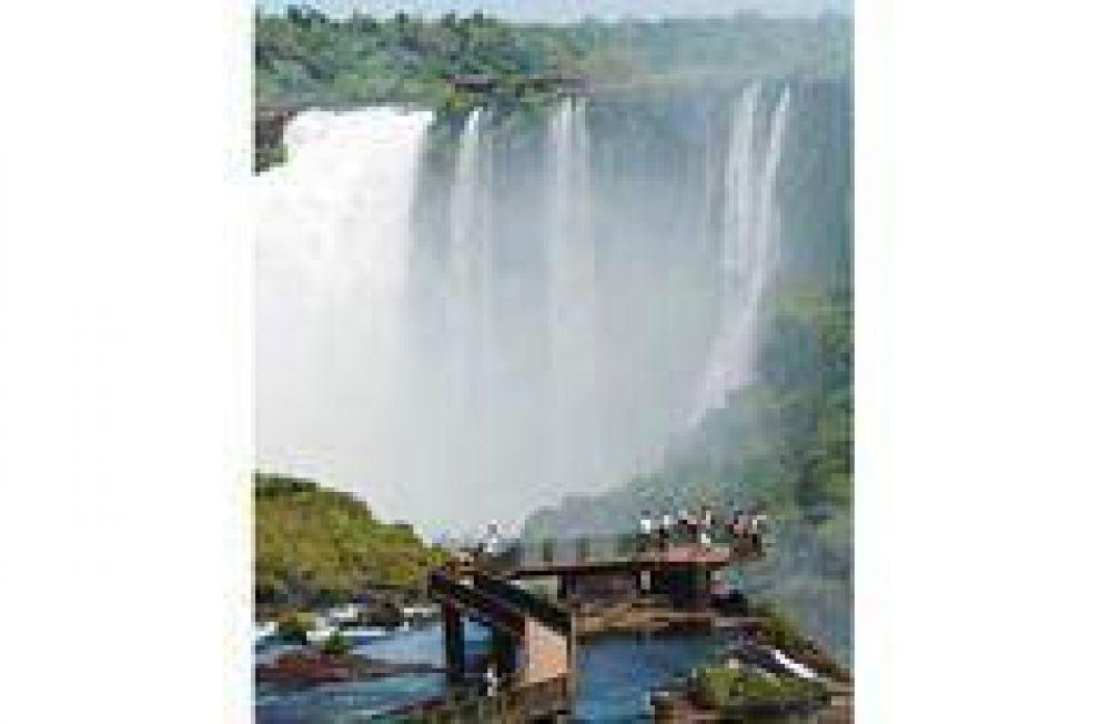 Misiones: campaña para que las Cataratas estén entre las Siete Maravillas