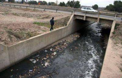 Agroindustrias contaminan el agua