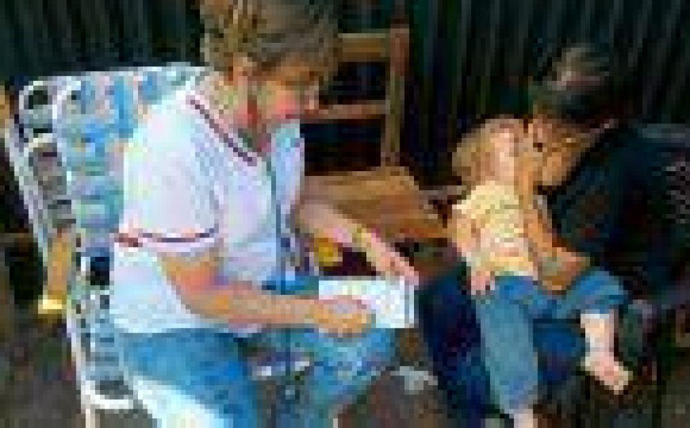Grupo de especialistas atendió a niños asentados en El Porvenir