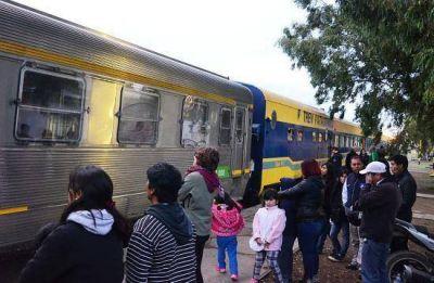 Tren Patagónico: Bronca entre los pasajeros que llegaron a Viedma