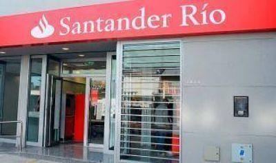 Salidera en La Plata: Delincuentes robaron 500 mil pesos en la puerta del Banco Santander